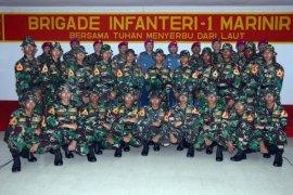 20 Taruna AAL Praktik Pasukan di Brigif-1 Marinir