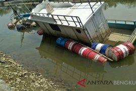DPMD Mukomuko biarkan kapal bantuan pemerintah terbengkalai