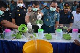 Petugas Lanudal Juanda Musnahkan Narkoba Sabu-Sabu (Video)