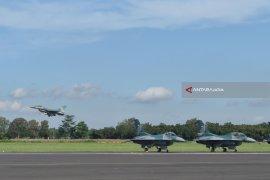 TNI-AU Usir Pesawat Asing Langgar Udara NKRI