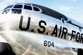 Pesawat militer era Perang Dingin disulap jadi restoran