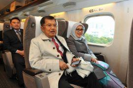 Wapres menuju Hiroshima dengan kereta api cepat