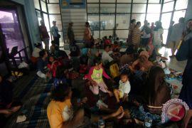 Ribuan warga Perumahan Duta Kranji Bekasi diterjang banjir