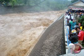 Bendung Katulampa siaga tiga banjir