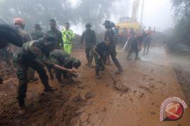Hari ini, pencarian korban longsor Bogor hingga acara seni