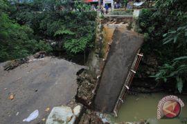 Kemensos bantu lauk pauk korban banjir Cirebon