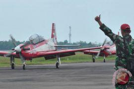 Sultan terkesan penampilan pesawat Jupiter Aerobatic Team