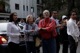 Gempa susulan buat warga Mexico City berlarian