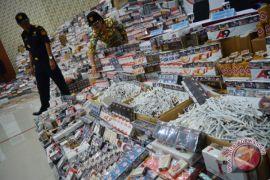 Disita lima karung rokok milik jamaah haji Pamekasan