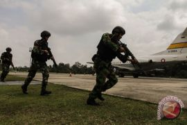 TNI AU turut jaga keamanan Bandara Sultan Syarif Kasim II