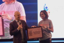 DANONE-AQUA, perusahaan FMCG pertama di Indonesia terima  B-CORP