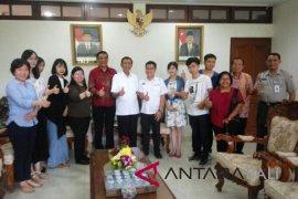 Gubernur Pastika undang wisatawan Tiongkok datang ke Bali