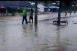 Banjir genangi akses jalan penghubung antarkabupaten Tulangbawang