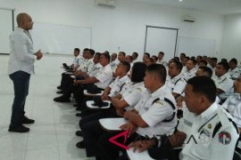 Polda Bali mendidik 123 satpam gada pratama