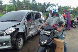Pengendara motor tewas dalam tabrakan beruntun