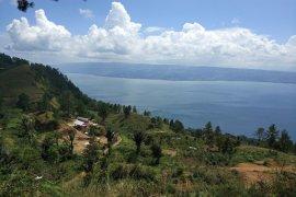 Sumut batasi produksi ikan KJA Danau Toba