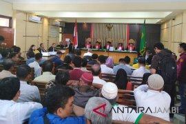 Tiga terdakwa suap APBD Jambi disidangkan