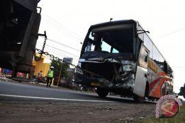 Korban kecelakaan tol Ngawi dirawat di Madiun