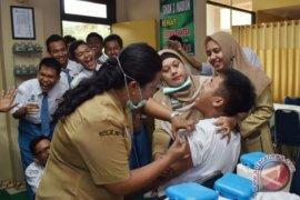 Dinkes Balikpapan berikan vaksin difteri di sekolah