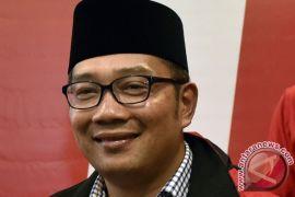 Klarifikasi Kang Emil terhadap tudingan politik uang relawannya