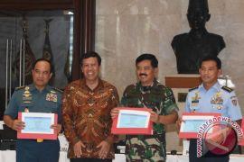 Marsekal TNI Hadi Tjahjanto serahkan SPT pajak