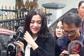 Vicky Shu hadiri sidang kasus First Travel