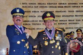 TNI anugerahi Panglima TNI-Kapolri tanda kehormatan