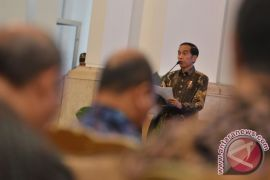 Presiden bahas pergeseran investasi ke bidang SDM