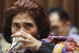 Menteri Susi larang air mineral dalam kemasan plastik