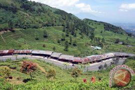 Jalur Puncak Dua Bogor dibahas usai Jokowi bentuk kabinet baru
