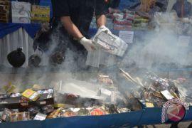Bea Cukai Aceh musnahkan ratusan ribu rokok ilegal