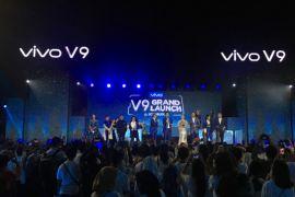 Kemeriahan peluncuran Vivo V9 berlatar Candi Borobudur