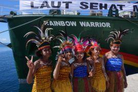 Berlayar bersama Rainbow Warrior, kapal yang ramah lingkungan