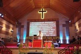 Umat Kristen Gorontalo Antusias Ikut Kebaktian Jumat Agung