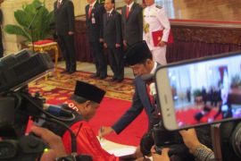 Arief Hidayat jadi hakim konstitusi hingga 2023, hari ini dilantik
