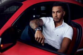 Juara dunia Formula One Lewis Hamilton jadi duta brand global TOMMY HILFIGER