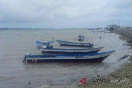 DKP Malut kembali salurkan bantuan kapal nelayan
