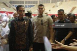 Video - Warga Terbantu Pemberian Sertifikat Gratis Oleh Jokowi