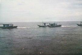 Kapolda Bengkulu bersama Danlanal patroli laut