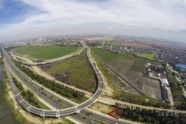 Pembangunan infrastruktur diperluas tidak hanya fisik