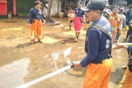Cicaheum lumpuh lagi karena ada pembersihan sisa banjir bandang