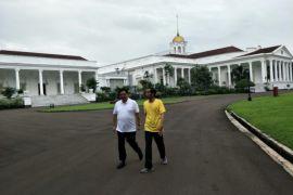 Jokowi dan Airlangga olahraga pagi di Kebun Raya Bogor