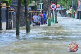 Dua belas sekolah di Sampang terdampak banjir