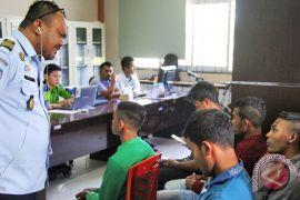 Imigrasi tolak keberangkatan 130 WNI  lewat Riau
