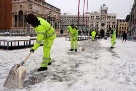 Salju tebal dan dingin serang Eropa, puluhan nyawa melayang