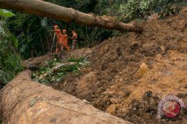 Seorang tewas akibat tanah longsor di Kupang