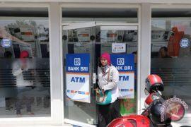 Polisi dan BRI cek ATM antisipasi skimming