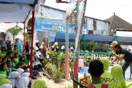 Seratus pendongeng unjuk gigi di Padang Panjang