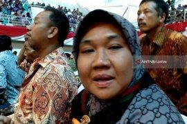 Warga Sambut Baik Pemberian Sertifikat Tanah oleh Jokowi (Video)
