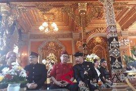 Mendagri hadiri ngaben keluarga Kerajaan Puri Ubud
